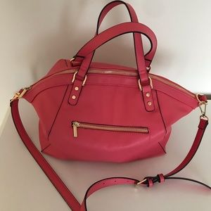 Practically Perfect Pink Purse with a side zipper